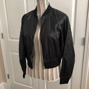 Forever 21 black bomber jacket, Small 👠